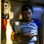 Jung im Schlafabteil (träumt von Siggi)