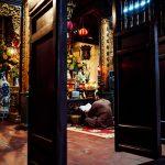 Draußen tobt das Chaos, die vielen versteckten Tempel sind eine Ruheoase