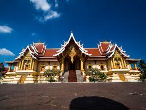 Tempel außen bei Vientiane