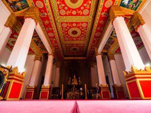 Tempel innen bei Vientiane