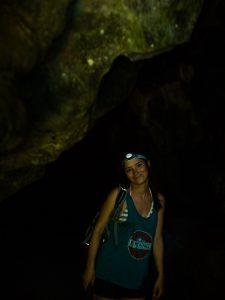 Sabrina die Höhlenforscherin