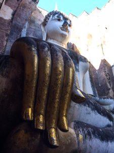 Das sind aber mal große Hände Buddha!