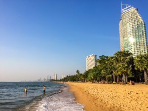 Pattaya Beach, etwas außerhalb kann man es aushalten