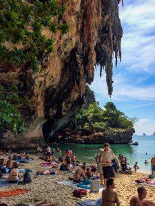 Railay Beach, alle wollen in den Schatten