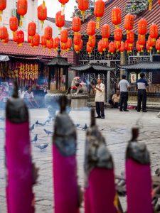 Beten im Kuan Yin Temple