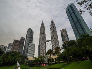 Sicht auf die Petronas Towers aus dem Park