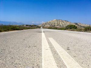 Verlassene Straße an der Westküste