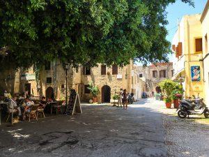 Ein Platz in Rhodos Stadt