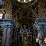 Eine Kirche in Neapel